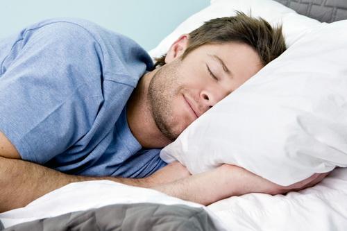 Как правильно спать мужчине.