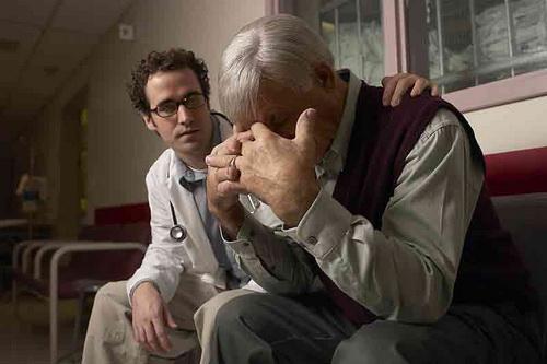 Гормональная терапия при раке простаты чревата осложнениями.