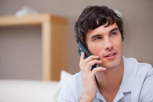 Отношения между мужчиной и мобильным телефоном: какими они должны быть?