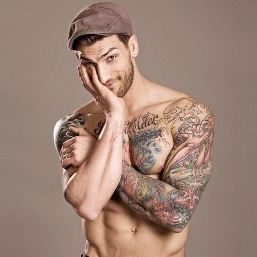 Как может помешать в жизни татуировка на члене.
