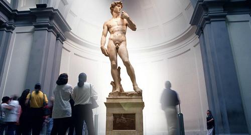 Почему у всех древних статуй маленькие члены?