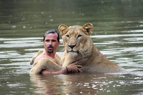 Существенное различие людей и животных.