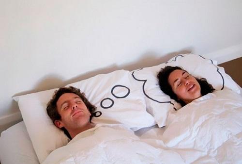 Почему нам снятся эротические сны?