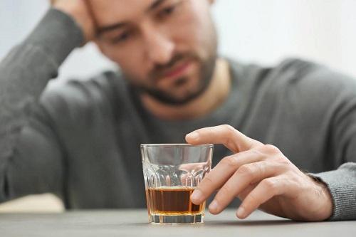 Воспаленная простата не дружит с алкоголем!.