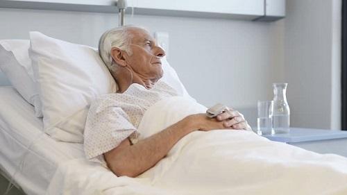 Приапизм на фоне рака у мужчины.
