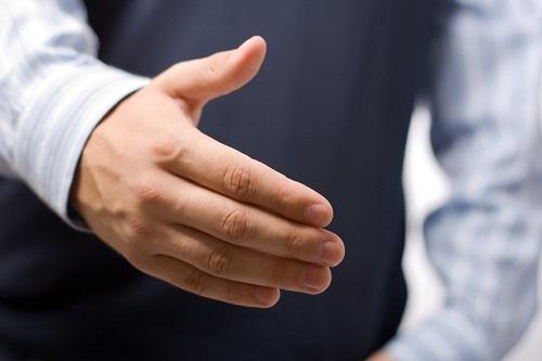 Грязные мужские руки: чем они опасны для здоровья?