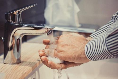 Почему мужчине лучше не злоупотреблять антибактериальным мылом?