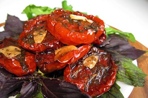 Вяленые помидоры мужчине необходимы для здоровья.
