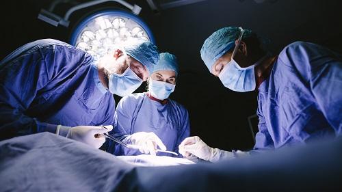Операция при аденоме.